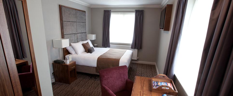 Mount Hotel_Walnut